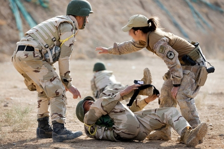 NZDF Trainer with Iraqi Police - Source ADF