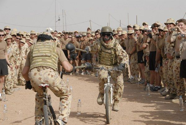 military-humor-funny-army-soldier-bicycle-jousting